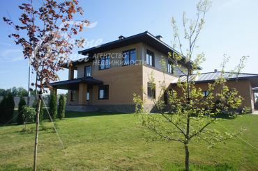 Дом 385 кв.м на 22 сотках земли в поселке премиум класса.